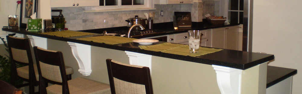 Breakfast bar and Kitchen